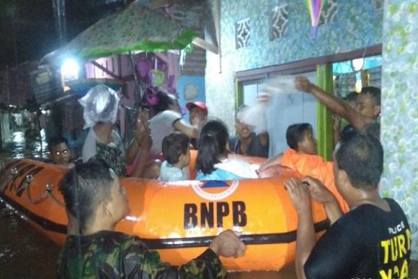 Hujan Deras Sejak Sabtu, Pekalongan & Batang Banjir