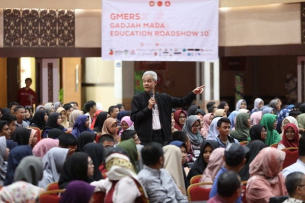 Ganjar Prabowo Jawab Warga di Padang, Begini Opininya soal Amanat Reformasi…