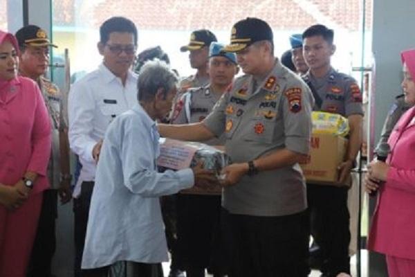Kapolda Jateng ke Pengungsian Korban Banjir Demak