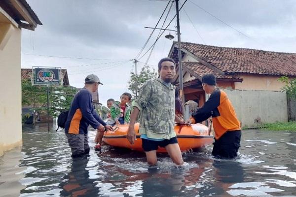 267 Warga Batang dan Pekalongan Mengungsi Kebanjiran