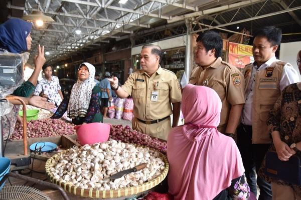 Harga Bawang Putih di Semarang Turun Jadi Rp29.000/Kg