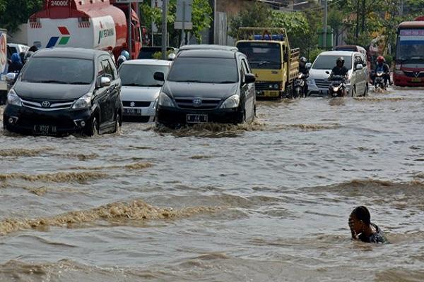 Banjir Bandang di Kendal, 2 Pemotor Hanyut Terbawa Arus