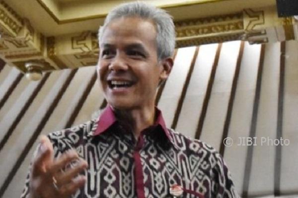 Visa Umrah Disetop, Gubernur Jateng Desak Kemenag Sosialisasi
