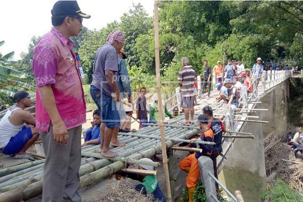 Jembatan Infrastruktur Desa Grobogan Nyaris Ambrol