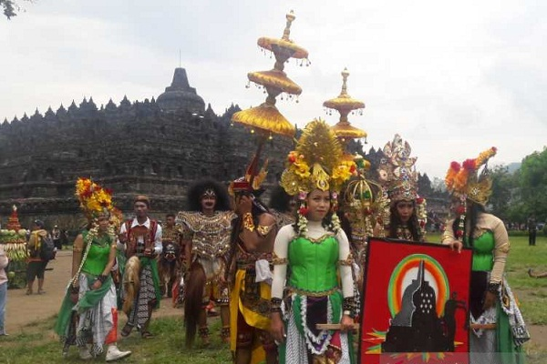 Insan Wisata Magelang Ruwat Rawat Candi Borobudur