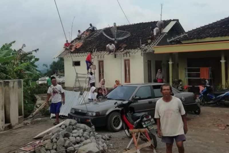 Temanggung Dihajar Bencana Angin Kencang dan Banjir