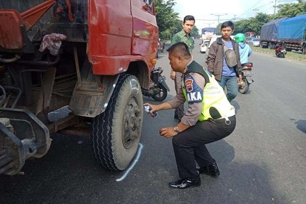Pengendara Motor Tewas Terseret Truk di Simpang Hanoman Semarang