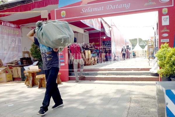 Pasar Rakyat Hari Jadi Grobogan Dijegal Virus Corona