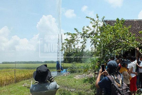 Sumur Bor di Grobogan Semburkan Lumpur 30 M