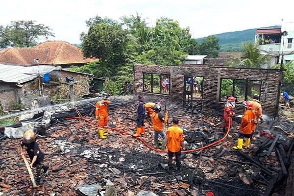 Pemilik Diduga Lupa Matikan Kompor, Rumah di Pringapus Ludes Terbakar