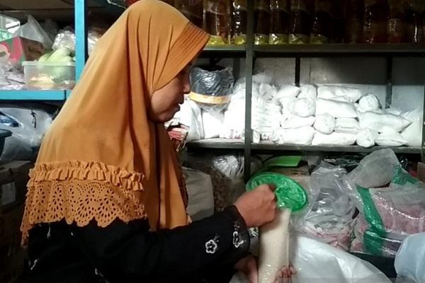Harga Gula Pasir di Kudus Melejit Hingga Rp17.000/Kg