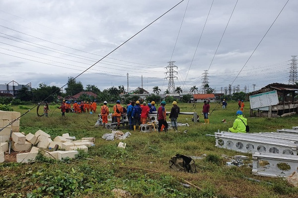 Lokasi Tower Roboh di Rembang Jadi Tontonan Warga, PLN Tak Mau Ada Korban Jiwa