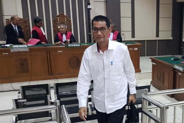 Bupati Tamzil Dituntut Penjara 10 Tahun