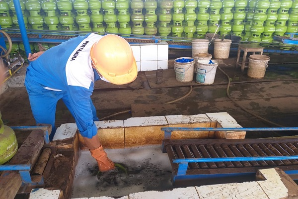 Cegah Covid-19, Pertamina Jateng-DIY Sterilisasi Tabung Elpiji