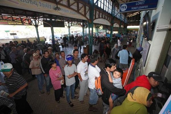 Perjalanan Sejumlah Kereta Api di Semarang Batal
