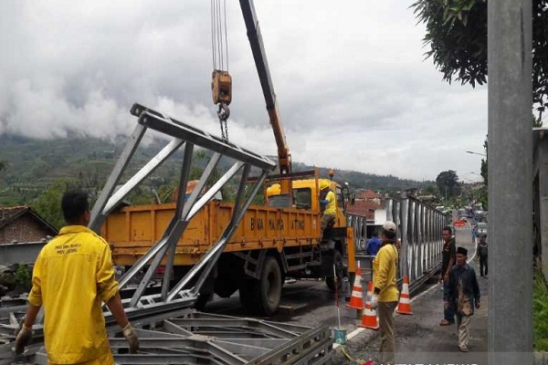Jembatan Darurat Temanggung-Wonosobo Capai 50%