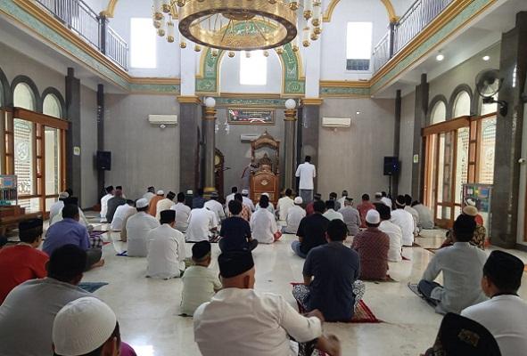 Salat Jumat Tetap Digelar di Purwodadi, Mesjid Terapkan Protap Lindungi Jemaah