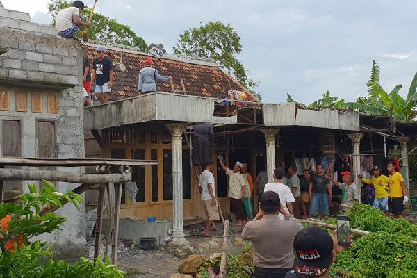 Diterjang Puting Beliung, 2 Rumah di Kluwan Grobogan Rusak