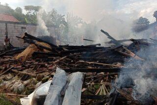 Kondisi rumah yang hangus dilalap api di Jangkungharjo, Brati, Grobogan, Minggu (12/4/2020). (Semarangpos.com-Pemcam Brati)