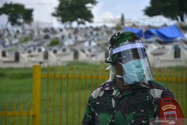 Pakar Forensik Semarang Sebut Pemakaman Jenazah Covid-19 Tak Perlu APD Lengkap, Cukup Masker & Sarung Tangan