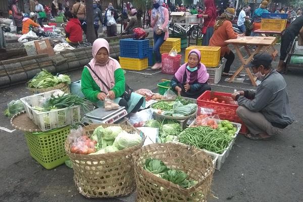 Vaksinasi Tahap Kedua Sasar 870.372 Pedagang Pasar di Jateng
