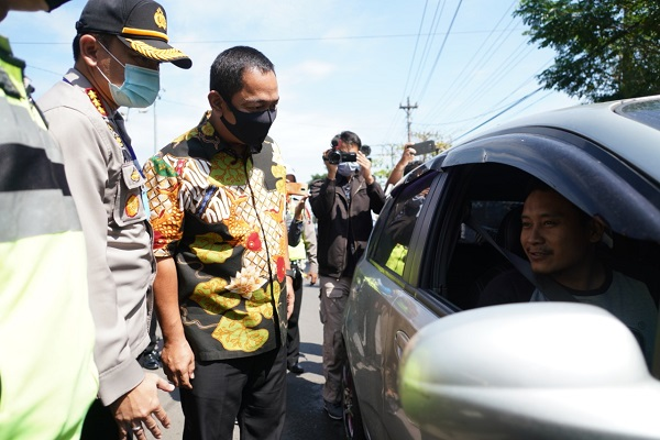 Hari Pertama Pembatasan Kegiatan Masyarakat, Wali Kota Semarang Pantau Pemudik