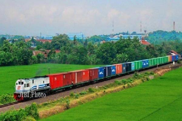 KAI Semarang Optimalkan KA Barang di Masa PSBB