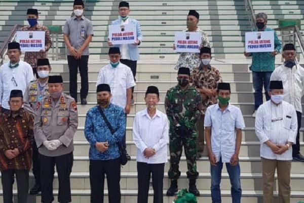 Polda Jateng dan Kodam Diponegoro Beri Bantuan Pengurus Masjid