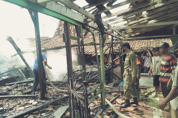 Gegara Lilin Ditutup Lap, 3 Rumah di Ngaringan Grobogan Kebakaran