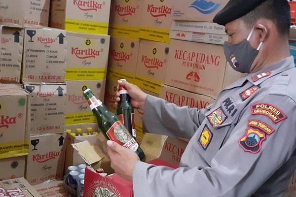 408 Botol Miras Disita Polres Grobogan dari Toko Kelontong di Purwodadi