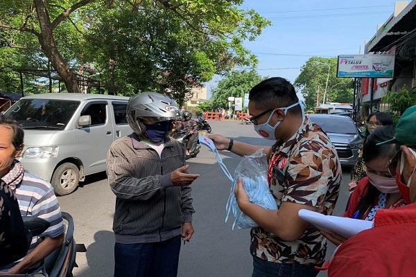 Astra Motor Jateng Bagikan 4.000 Masker ke Warga Semarang