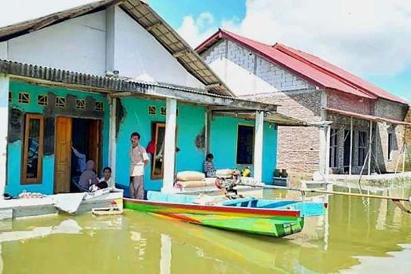 Awas, Gelombang Setinggi Enam Meter Ancam Pesisir Selatan Jawa
