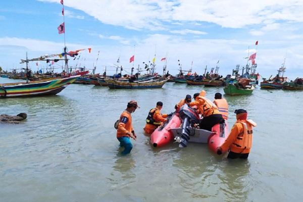 Tim SAR Temukan Tiga Nelayan Jepara yang Hanyut Ditelan Ombak, 1 Masih Dicari