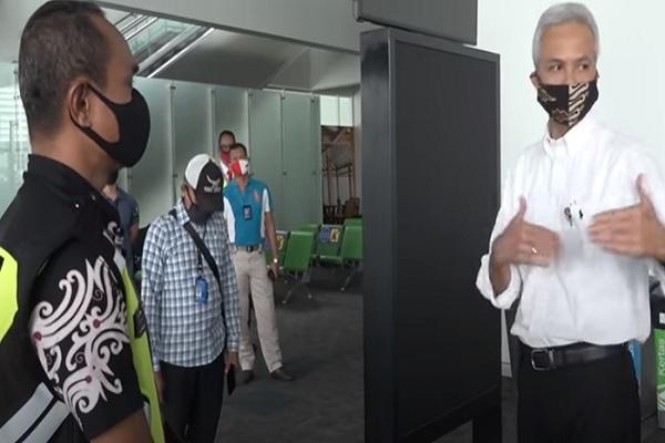 Di Bandara Ahmad Yani Semarang, Gubernur Jateng Galak…