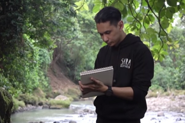 Lukis Sosok Dayang-Dayang di Alas Ketonggo Ngawi, Adik Sara Wijayanto Malu-Malu