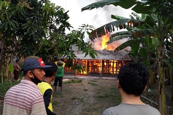Rumah di Godong Grobogan Terbakar Saat Pemilik Antar Anak ke Ponpes