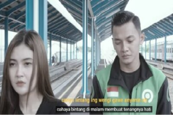 "Dory Harsa Duet dengan Nella Kharisma Lantunkan ""Banyu Mata"", Stasiun Kemiri Kebakkramat Viral"