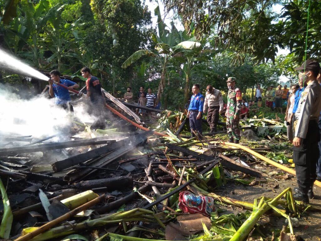 Ditinggal ke Sawah, Rumah di Tawangharjo Grobogan Ludes Terbakar