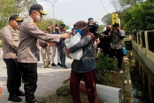 HUT Ke-74 Bhayangkara, Polda Jateng dan Polres Grobogan Bagikan Sembako, Siapa yang Mendapatkan?