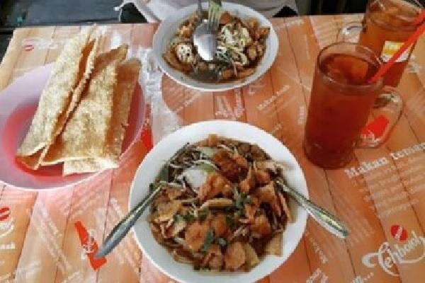 Menyang Semarang, Kudu Nyoba Jajan Bakmi Kopyok Kang Kawentar