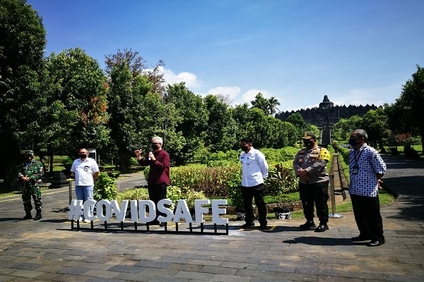 Candi Borobudur Terima Wisatawan Akhir Pekan Ini