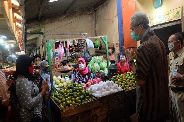 Kunjungi Pasar di Temanggung yang Ditutup Karena Virus Corona, Ini Pesan Ganjar…