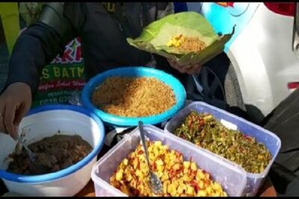 Nasi Berkat Warga Sukoharjo Pengobat Rindu