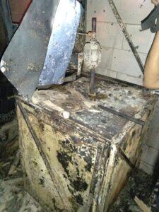 Tabung Pertamini yang terbakar di Pulokulon, Grobogan. (Semarangpos.com-Polsek Panunggalan)