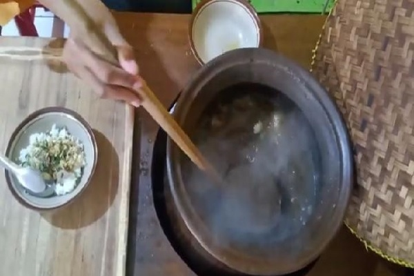 Nikmatnya Soto Daging Sapi di Blora Cuma Rp3.000