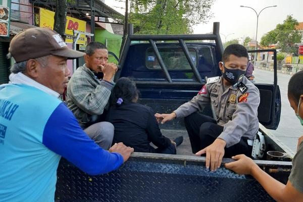 Pengendara Sepeda Meninggal Tertabrak Motor Saat Menyeberang di Grobogan