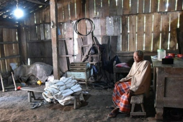 Gubernur Ganjar Diklaim Wujudkan Mimpi Warga Jateng Pendamba Listrik