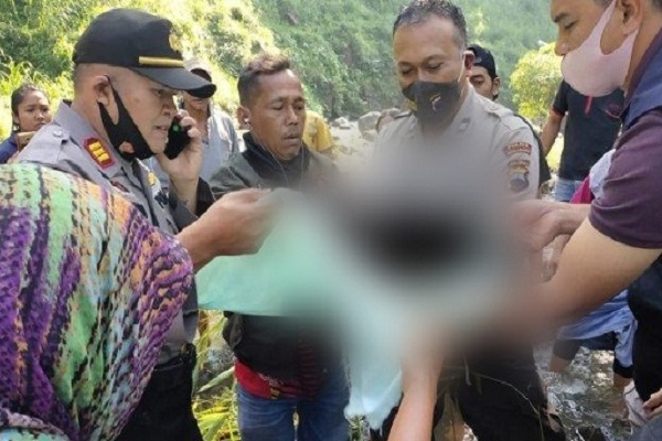 Diduga Dibuang, Jasad Bayi Ditemukan di Sungai Serang Semarang
