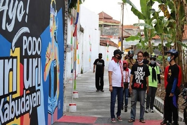 Baru 30% Rampung Dilukis, Mural di Purworejo Sudah Jadi Spot Selfie