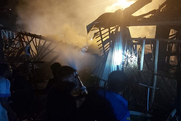 Gegara Korsleting, Toko Klontong di Grobogan Ludes Terbakar